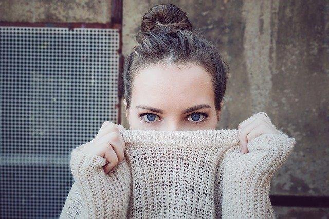tanie swetry damskie